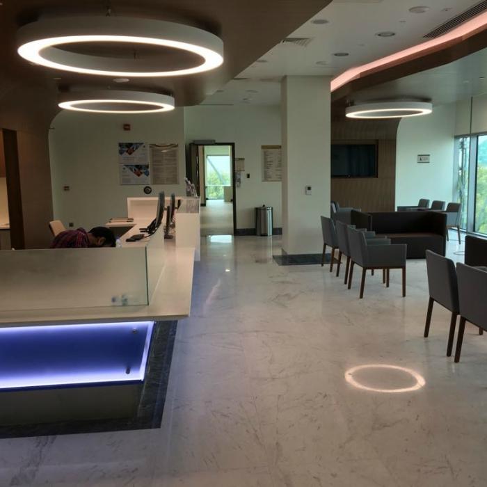 White Marble Interior Flooring: Volakas
