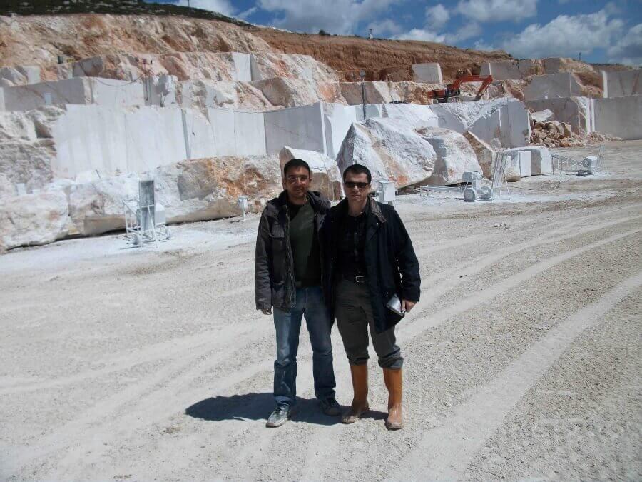 Consultor Piedra natural de vista en cantera de marmol