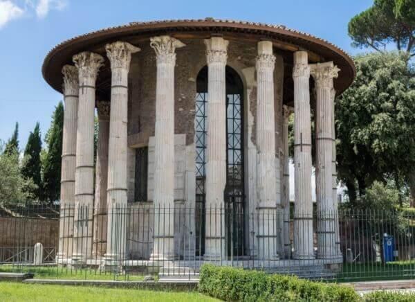 Monumentos realizados con Marmol Bianco Carrara