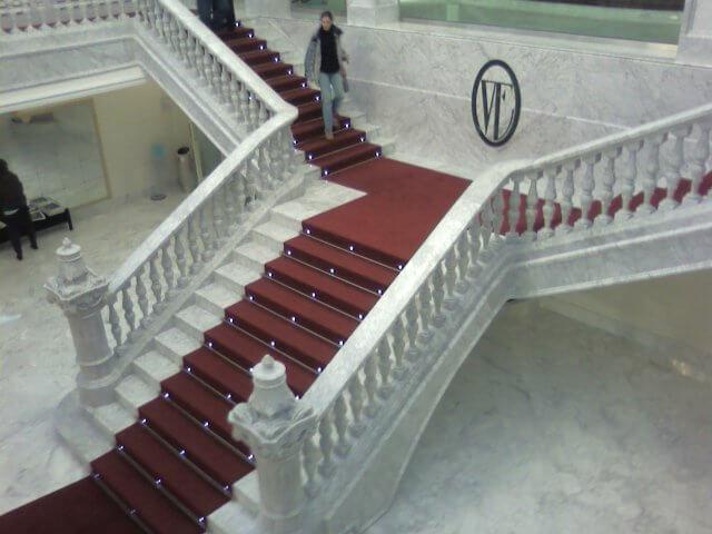 Escalinata Interior Teatro Victoria Eugenia en Marmol Blanco Carrara