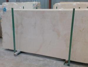 Cream Marfil Marble ligeramente heterogeneo