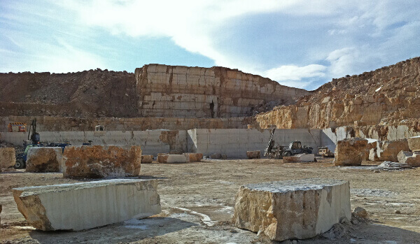 Quality control inspection of operational quarry fronts