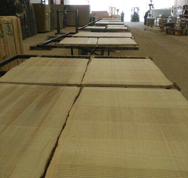 Inspecion para control calidad en fabrica- disposicion y resinado de tablas