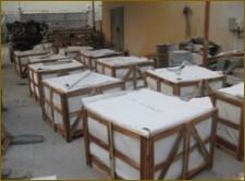Inspeccion de cajones para control de calidad marmol previo transporte