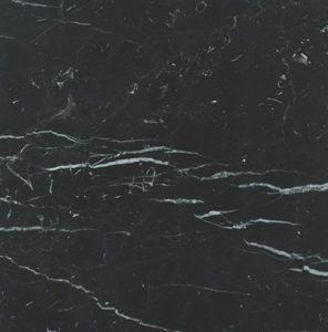 Muestra de marmol negro marquina