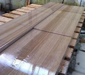 Inspeccion de Resinado de tablas de marmol Serpegeante en fabrica