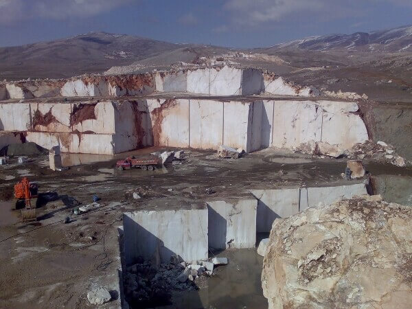 Stone quarries with different levels of risk